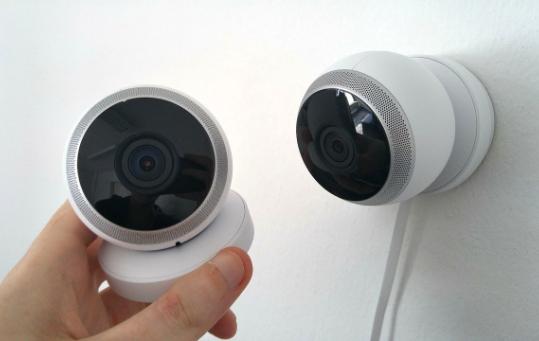 Twee Camera's - CBO Security - voor al uw beveiligingsoplossingen