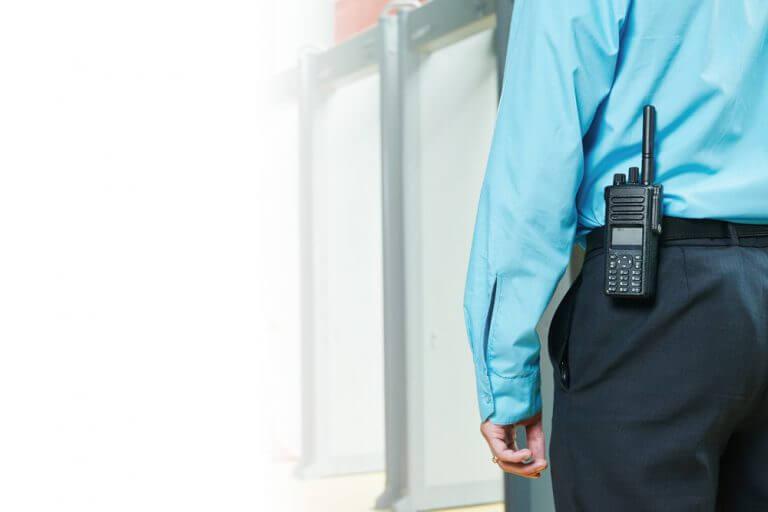 Bewaker - walkie talkie - CBO Security - Objectbeveiliging